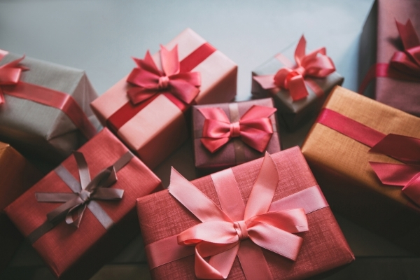 Importance of Festive Gifts for Business Promotion